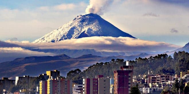 Ecuador's Cotopaxi volcano ...epa04969084 Cotopaxi volcano spews